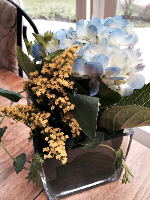 How To Arrange Flowers In A Square Vase Books Is Wonderful